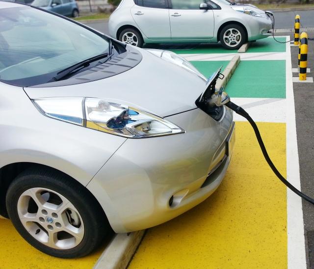 電気自動車をお持ちの方必見!!V2Hとは??